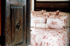 mountain-living-bed-decorator-crested-butte-colorado